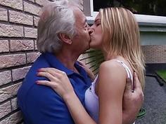 Teen Schoolgirl Swallowing Grandpa Cumshot fuck