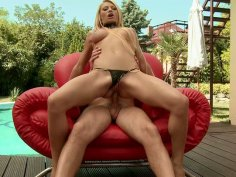 Gorgeous blonde slut Niky Gold rides dick with her corn hole