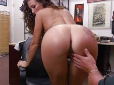 Latin babe Victoria fucks for laptop
