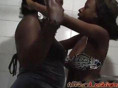 Ebony Babes Simone And Yvonne Taking Hot Shower