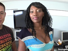 Naomi Banxxx Is Thick And Juicy!