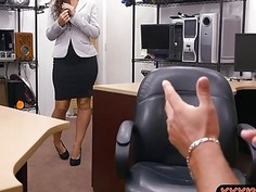 Firm ass babe railed by nasty pawn dude at the pawnshop