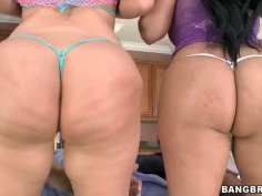 Chubby sistas Julie Cash and Kiara Marie make a booty quake