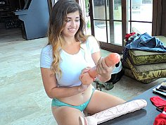 Extreme toy gape for a bubbly brunette